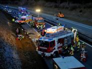 Hurlach/Igling: Auto überschlägt sich mehrmals auf B17 - Zwei Schwerverletzte