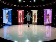 "RTL 2: ""Naked Attraction"": Kandidaten heute mit nackter Cathy Lugner"