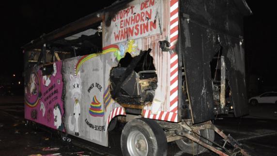 Donauwörth: Verpuffung auf Faschingswagen fordert Schwerverletzten