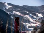 Winterspiele: Abfahrt auf einem dünnen Band Kunstschnee
