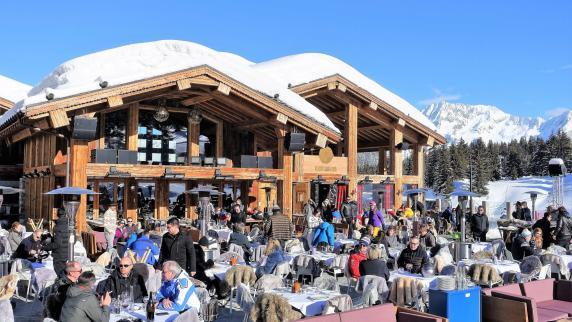 """Urlaub in Europa: Courchevel: Skifahren und Show im """"St. Tropez"""" der Alpen"""