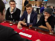FC Augsburg: Verletzter Finnbogason hat auch am Pokertisch Pech