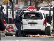 USA: Auto fährt in Barriere am Weißen Haus