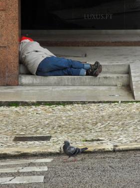 augsburg benefizaktion k nstler helfen obdachlosen. Black Bedroom Furniture Sets. Home Design Ideas