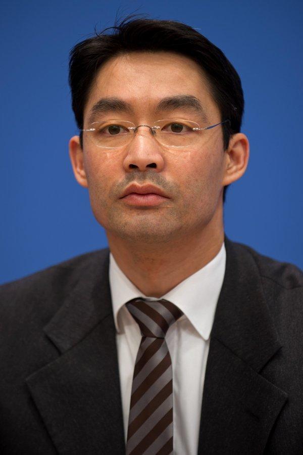 Jetzt ist auch Bundeswirtschaftsminister <b>Philipp Rösler</b> (FDP) im Kreis der <b>...</b> - Philipp-Roesler