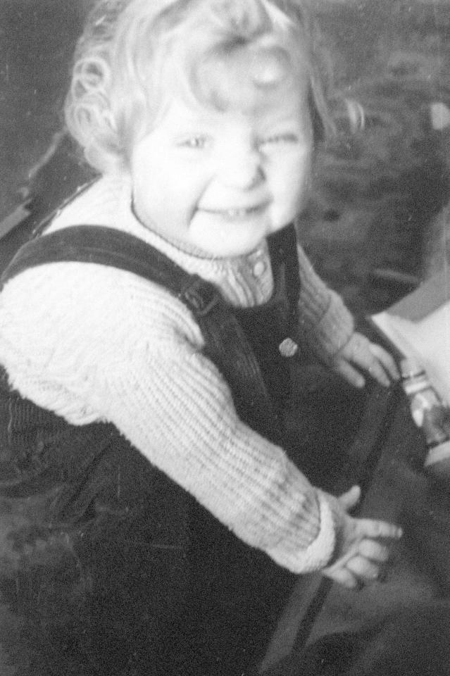 Juli 1954 als erste Tochter von Horst und Herlind Kasner in Hamburg geboren.