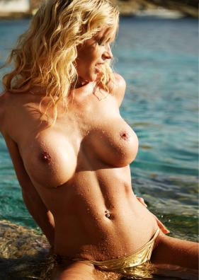 Ramona Nude 12