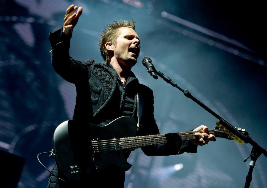 Der Sänger Matthew Bellamy hatte mit seiner Band Muse am Freitagabend den großen Auftritt auf dem Rockavaria.