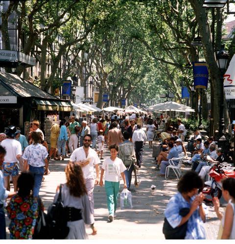 Barcelona: Klein-Lkw fährt in Menschenmenge