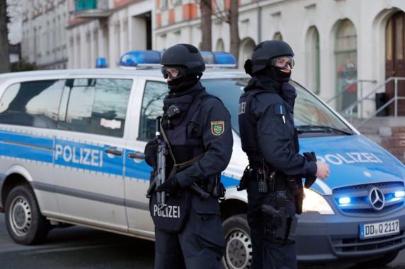 Terrorverdacht: Polizei stürmt Wohnhaus in Chemnitz