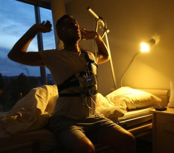selbstversuch im schlaflabor was hilft gegen schlaflosigkeit. Black Bedroom Furniture Sets. Home Design Ideas