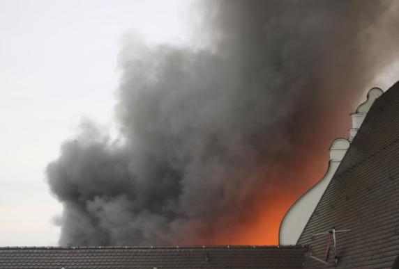 Nach Rathausbrand in Dillingen wird nach der Ursache gesucht