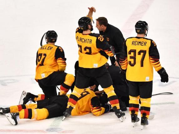 Sensationssieg im Eishockey: Deutsches Team zieht ins olympische Finale ein