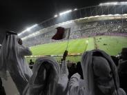 Fußball: Deutsche Politiker ziehen WM 2022 in Katar in Zweifel