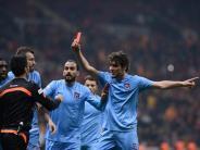 Fußball: «Schwarzer Abend» für türkischen Fußball - Rot für Referee