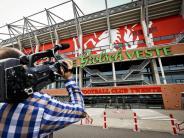 Fußball: FC Twente Enschede bleibt in Ehrendivision der Niederlande