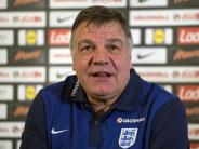 Blöd gelaufen: England-Coach nach Undercover-Dummheit vor dem Aus