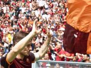 Fußball als Leidenschaft: Roma-Star Totti vor letztem Match