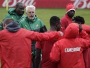 """Fußball: """"Verkehr eine Katastrophe"""" - Kameruns Trainer kritisiert Confed-Cup-OK"""