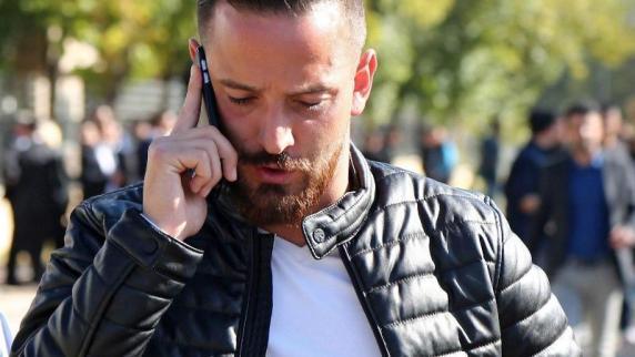 St. Pauli-Idol: Geldstrafe und lebenslange Strafe für Deniz Naki