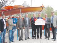 Krumbach: Sparkasse spendet 10000 Euro für Freibadrutsche