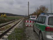 Krumbach: Zug erfasst Mann und schleudert ihn in Grube