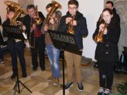 Weihnachtskonzert I: Eine Kirche voll festlicher Musik