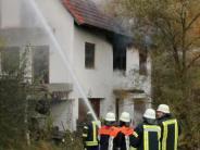 Glöttweng: Feuerwehr rettet schwer verletzten Mann aus brennendem Haus