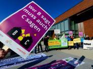 Gundremmingen: Atomkraftgegner demonstrieren vor Erörterungstermin