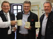Ursberg: Bierkrüge für den Lausbub der Nation