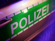 Landkreis Günzburg: Wohnwagen während der Fahrt in Langenhaslach verloren