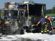 Ziemetshausen: Getränkelaster brennt aus