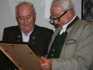 Versammlung: Anton Thoma zum Ehrenmitglied ernannt