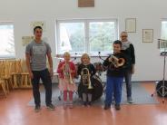 Musikerziehung: Das Instrumentenkarussell in Ebershausen dreht sich weiter