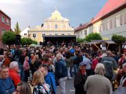 """Bildergalerie: """"Kamasutra"""" heizt bei """"Kult um 8"""" in Thannhausen richtig ein."""