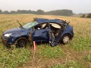 Wattenweiler: Auto kommt von der Straße ab und überschlägt sich mehrfach