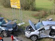 Ziemetshausen/Muttershofen: Unfall: Sechs Menschen auf B 300 verletzt