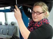 Krumbach/Thannhausen: Warum der rosa Regenschirm im Autohaus steht