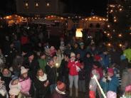Ziemetshausen: Schneeflocken zum Marktauftakt in Ziemetshausen