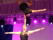 Krumbach: Akrobatik und Illusion im Krumbacher Stadtsaal