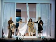 Uraufführung: Leidenschaft für Mode: Elfriede Jelineks neues Stück