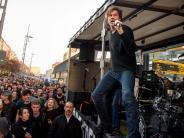 Überraschungsauftritt: Die Toten Hosen treten bei Anti-Pegida-Demo auf