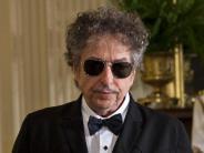Viele Fragen offen: Bob Dylan in Stockholm:Holt er den Nobelpreis ab?