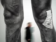 Ausstellung in Düsseldorf: Ruhm und Schmerz:Die Tour de France aus Künstlersicht