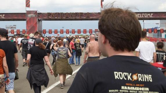 Nach Anschlag in Manchester: Wasser-Verbot bei Rock am Ring!