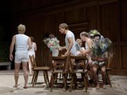 Absurd-komisch: Marthalers «Tiefer Schweb» in München bejubelt
