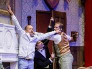 Edel-Quatsch: «Ein katastrophaler Theaterabend» begeistert die Hamburger