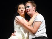 Saisonstart und Premiere: Liebe und Hass in Multikulti-Welt: «Romeo un Julia»