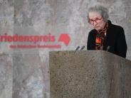 Ehrung in der Paulskirche: Margaret Atwood nimmt Friedenspreis entgegen
