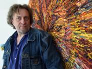 Porträt: Harry Meyer - der Maler, der in der Farbe wühlt